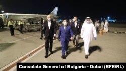 Министърът на икономиката Емил Караниколов на летището в Абу Даби