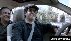 """Jafar Panahi în """"Taxi"""", Ursul de Aur, Berlinale 2015 (Foto: Berlinale)"""