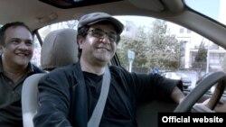"""Jafar Panahi-nin """"Taksi"""" filmi Qızıl Ayı mükafatı alıb"""