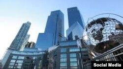 "Небоскреб ""Тайм Уорнер Центр"" в Нью-Йорке"