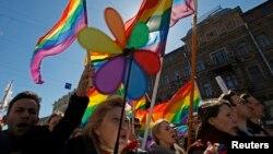 Activişti gay la Sankt Petersburg, 1 mai 2013
