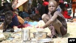 Девочка из столицы Южного Судана Джубы в лагере миротворцев ООН