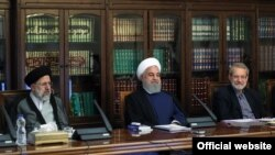 File photo - President Hassan Rouhani (center), head of Judiciary Ibrahim Raeisi (left), and Speaker of Parliament, Ali Larijani in a meeting of Islamic Republic leaders to sort out economic problems. June 09, 2019.