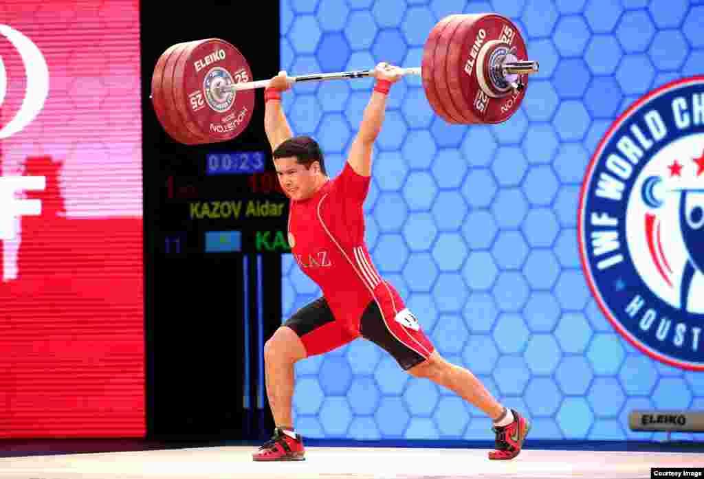 Чемпион Азии Айдар Казов в Хьюстоне занял девятое место.Фотопредоставлено пресс-службой Федерации тяжелой атлетики Казахстана.