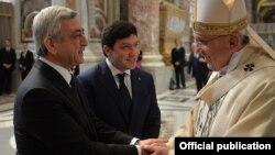 Папа римский Франциск и президент Армении Серж Саргсян, 12 апреля 2015