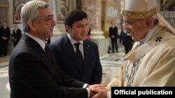 Серж Саргсян и папа Франциск в Ватикане, 12 апреля 2015 г.
