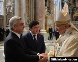 Roma Papası Francis Ermənistan prezidenti Serzh Sarkisianla görüşüb