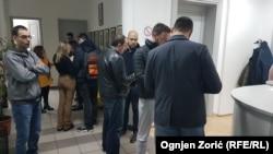 Omladina Demokratske stranke u centrali stranke u Beogradu 30. novembra uveče