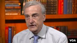 David Kanin,profesor na međunarodnim studijama Univerziteta Johns Hopkins u Sjedinjenim Državama i bivši analitičar u CIA-i