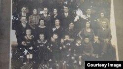 Familia Leilei Sterenberg, poză făcută în Basarabia