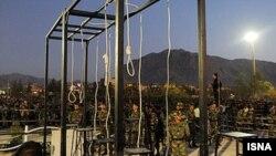 Подготовка к очередной казни на улице в Тегеране