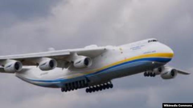 هواپیماهای آنتونوف روسی که حمل و نقل جنگافزار به سوریه را برعهده دارند.