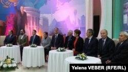 Гости на киновечере, посвященном Нурсултану Назарбаеву. Темиртау, 30 ноября 2016 года.