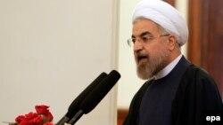 رئیس جمهور ایران: «میگویند شما میخواهید با دنیا بسازید. نخیر میخواهیم خنجر بکشیم؟»