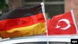 Немецкие социологи утверждают, что туркоязычные жители Германии относятся к числу слабо интегрированных групп иммигрантов