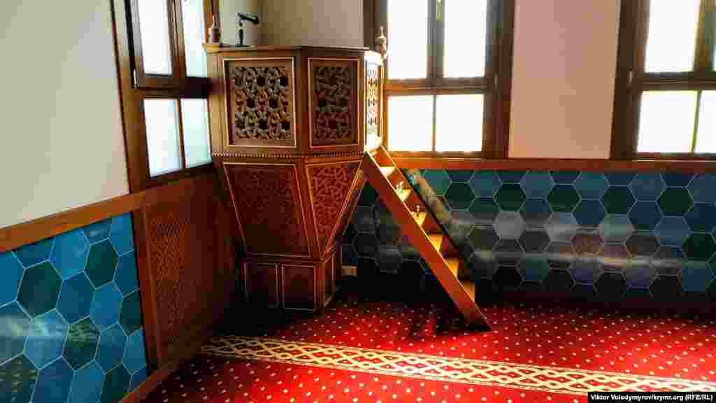 Молодята часто обирають для проведення обряду нікях (шлюб, укладений між чоловіком і жінкою) саме цю мечеть
