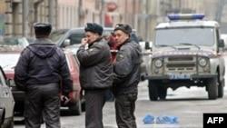 Милиция обнаружила на месте преступления помповое ружье со свастикой
