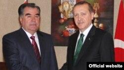 Глава Таджикистана Эмомали Рахмон и президент Турции Тайип Эрдоган. Архивное фото