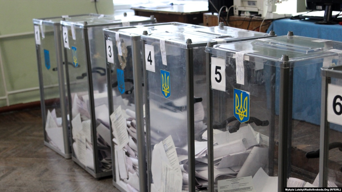 Агитируют и нарушают. В Донецкой области определились с количеством избирательных участков и борются с нарушениями