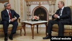 Հայաստանի նախագահ Սերժ Սարգսյանի եւ Ռուսաստանի վարչապետ Վլադիմիր Պուտինի հանդիպումը Մոսկվայում, 25-ը հոկտեմբերի, 2011թ.