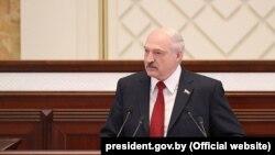 Аляксандар Лукашэнка выступае са штогадовым пасланьнем, Менск, 19 красавіка 2019