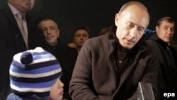 И никаких гвоздей. Премьер Путин демонстрирует готовность стоять в газовом споре до победного конца
