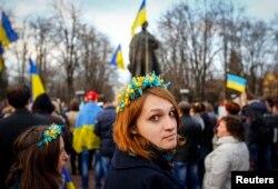 Митинг в поддержку единства Украины. Луганск, 15 апреля