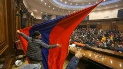Қарабақ келісімімен келіспеген армяндар парламент үйін қалай басып алды?