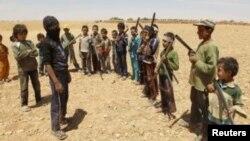 Deca-vojnici među islamistima u Siriji