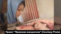 Адвокат Малика Абубакарова с пострадавшей Заирой Бопхоевой
