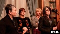 Anastasia Khodorkovskaya (right), daughter of Mikhail Khodorkovsky, accepted the award along with Lyudmila Ulitskaya (far left) in Moscow on January 13.