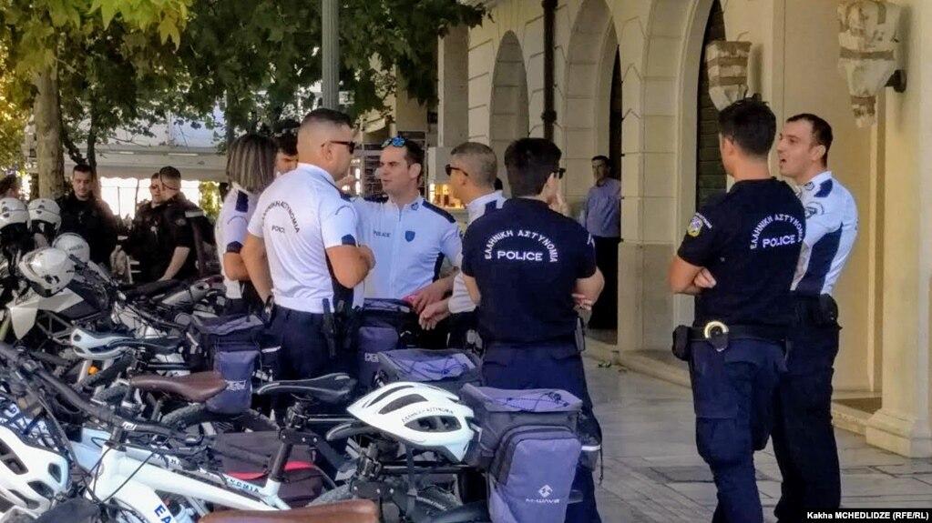 Суд в Греции освободил из-под стражи подозреваемого в членстве в ИГ таджикистанца