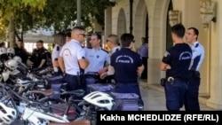 Сотрудники греческой полиции у здания суда. Иллюстративное фото.