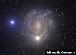 Саманчынын жолу галактикасынын бир көрүнүшү.