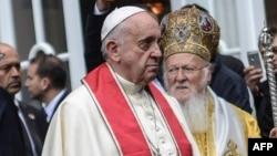 البابا فرانسيس في كنيسة بأسطنبول