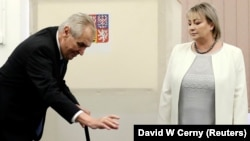 Голосует Милош Земан