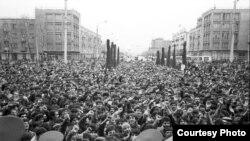 Баҳманмоҳи соли 1990 дар Душанбе