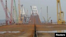 Будівництво мосту через Керченську протоку