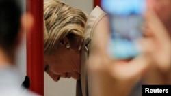 Гілларі Клінтон під час голосування