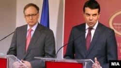 Прес-конференција на министерот за надворешни работи Никола Попоски и заменик генералниот секретар на НАТО Алаксандар Вершбоу во Скопје.