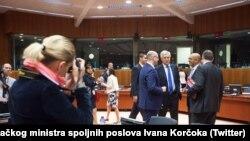 La Consiliul UE