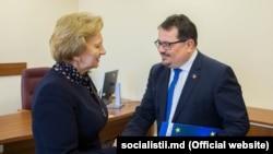 Ambasadorul UE, Peter Michalko, împreună cu spichera Zinaida Grecianâi