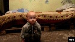 Дитина у бомбосховищі Донецька. 31 грудня 2014 року