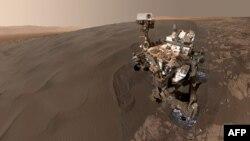 سلفی کاوشگر کیاروسیتی در مریخ. ۳۱ ژانویه ۲۰۱۶