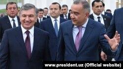 Жаҳонгир Ортиқхўжаев (ўнгда) президент Мирзиёев билан бирга.
