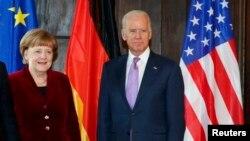 ABŞ-nyň prezidenti Jo Baýden we Germaniýanyň kansleri Angela Merkel telefonda gürleşdi. Arhiw suraty
