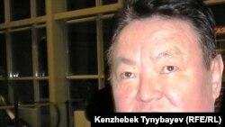 Заманбек Нуркадилов, ставший одним из основных критиков действующего президента Казахстана, был найден мертвым в своем доме в Алматы 12 ноября 2005 года.