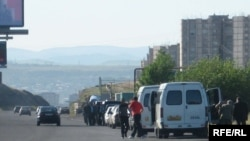 Cars and minibuses stopped on the route into Yerevan on May 31
