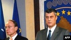 Shefi i UNMIK-ut, Joachim Ruecker dhe kryeministri Hashim Thaçi