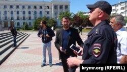 Російський поліцейський на площі Леніна в Сімферополі, 18 травня 2017 року